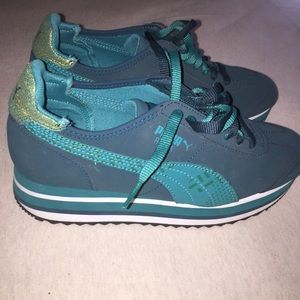 Teal puma Roma stacked platform sneakers LIKE NEW